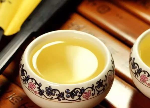 一杯清茶的图片