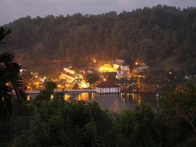 美丽的斯里兰卡之康提的著名景点,从众所熟知的佛牙寺谈起|国外旅游