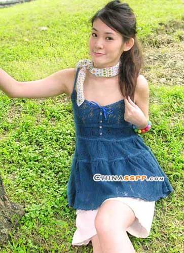 高腰裙 小肚楠女孩穿裙装的秘诀-幽兰花香