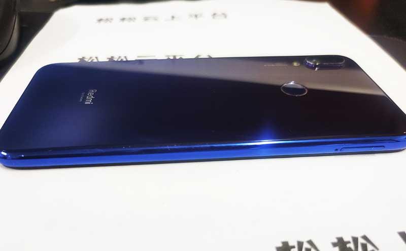 小米【Redmin Note7】全网通 金色 6+64G 9成新