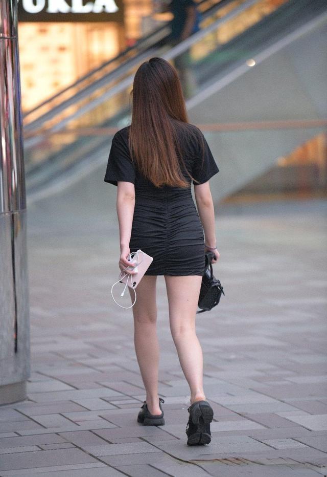 柳腰细腿的瑜伽裤美女,才能让造型显得优雅,时髦个性-幽兰花香